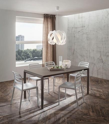 Tavoli e sedie complementi ambienti zanga arredamenti for Ambienti arredamenti